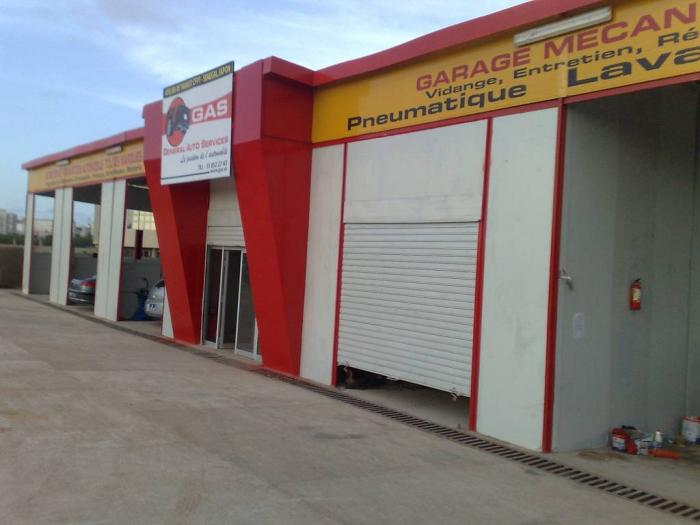 General Auto Services Garage Automobile Moderne